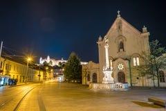Rua no centro histórico de Bratislava na república eslovaca Imagem de Stock