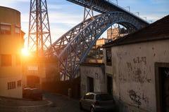 Rua no centro histórico de Porto, Portugal vintage Imagem de Stock Royalty Free