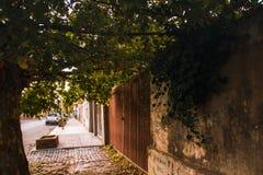 A rua o Necochea, Buenos Airesil pode 6 de 2019 fotografia de stock royalty free