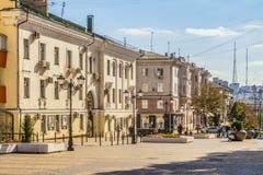 Rua pedestre no centro residencial velho da cidade Cidade de Belgorod Imagens de Stock Royalty Free