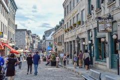 Rua popular de St Paul no porto velho Os povos podem ser vistos ao redor Imagens de Stock Royalty Free