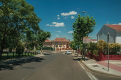 Rua quieta com as casas residenciais em Merida imagem de stock royalty free