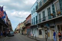 Rua real no bairro francês, Nova Orleães Fotografia de Stock Royalty Free