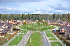 Rua residencial suburbana da vizinhança Imagens de Stock