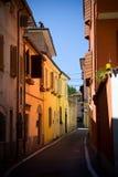 Rua solar em Rimini foto de stock
