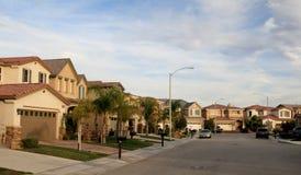Rua suburbana imagem de stock