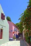Rua tradicional agradável Grécia da vila Fotografia de Stock