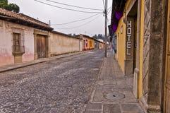 Rua vazia do cobblestone Imagem de Stock