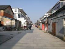 Rua vazia em uma cidade velha dentro da tarde ensolarada do ia Foto de Stock