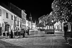 Rua velha barroco de Varazdin que nivela o preto & o branco Fotografia de Stock