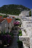 Rua velha e paredes antigas Imagens de Stock