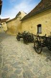 Rua velha na fortaleza do Rasnov Fotos de Stock Royalty Free
