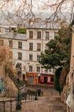 Ruas bonitas de Paris fotografia de stock royalty free