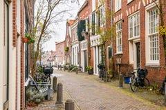 Ruas da cidade bonita de Haarlem, Países Baixos Imagens de Stock Royalty Free