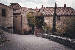Ruas da cidade europeia velha foto de stock