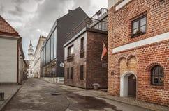 Ruas da cidade velha de Kaunas Imagens de Stock Royalty Free