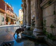 Ruas da Creta grega Chania foto de stock royalty free