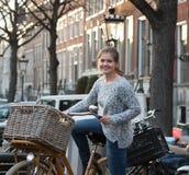 Ruas de Amsterdão imagens de stock
