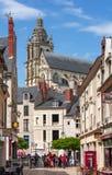 Ruas de Blois - cidade pequena em Loire Valley, França fotografia de stock