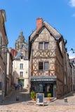 Ruas de Blois - cidade pequena em Loire Valley, França fotografia de stock royalty free