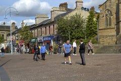 Ruas de Coatbridge, Lanarkshire norte em Escócia no Reino Unido, 08 08 2015 Foto de Stock Royalty Free
