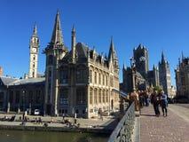 Ruas de encantamento de Ghent França - o castelo foto de stock
