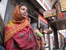 Ruas de Kolkata. Pedintes imagem de stock royalty free