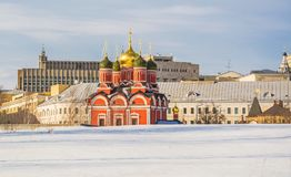 Ruas de Moscou no inverno Varvarka Fotografia de Stock Royalty Free