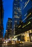 Ruas de New York City na noite Foto de Stock Royalty Free