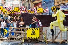 Ruas decoradas do distrito de Gracia Tema dos sinais e do símbolo Imagens de Stock