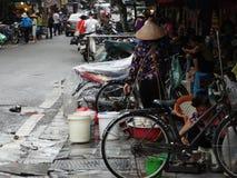 Ruas do quarto velho do ` s de Hanoi foto de stock royalty free