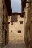 Ruas e cantos da vila medieval de Mirambel, Maestra fotos de stock