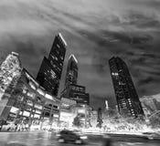 Ruas e luzes da cidade na noite perto de Columbus Circle, New York Fotografia de Stock