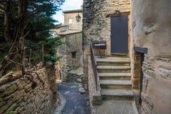 Ruas e patamar minúsculos com escadas Imagem de Stock