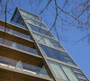 Ruas em Londres, no dia ensolarado e em céus azuis Fotografia de Stock Royalty Free
