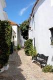 Ruas estreitas, cobbled do povoado indígeno espanhol fotos de stock royalty free