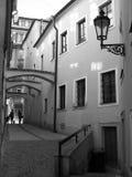 Ruas estreitas de Praga Imagem de Stock Royalty Free