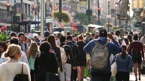 Ruas movimentadas em Manhattan central, New York filme