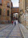 Ruas turísticas de Toledo Fotografia de Stock Royalty Free