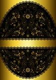 Ruban d'or dans le cadre ovale floral à jour onduleux d'or Photos libres de droits