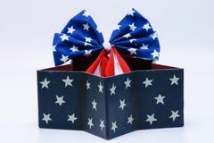 Ruban de drapeau des Etats-Unis dans la boîte formée par étoiles Images stock