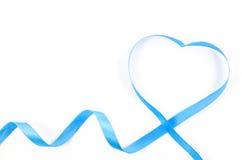 Ruban en forme de coeur sur le fond blanc Photos libres de droits