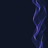 Ruban onduleux bleu sur un fond bleu-foncé Images stock