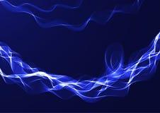 Ruban onduleux bleu sur un fond foncé Photographie stock libre de droits
