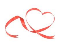 Ruban rouge de coeur d'isolement Image libre de droits