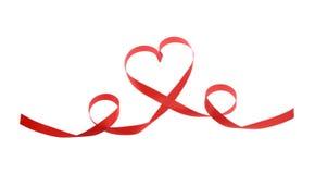 Ruban rouge de coeur d'isolement Images libres de droits