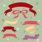 Rubans de mariage réglés, coeurs et arc. Photographie stock libre de droits