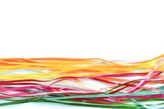 Rubans de satin et en soie multicolores pour la créativité avec un endroit pour une inscription photos stock