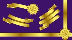 Rubans de vacances de satin d'or pour décorer des cadeaux, cartes de voeux, bannières avec des ventes, panneaux d'affichage, site Photographie stock libre de droits