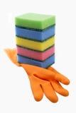 Rubber handschoen met sponsen Stock Fotografie